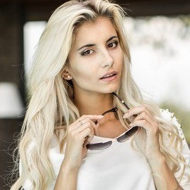 Nice wife Alina, 24 yrs.old from Kiev, Ukraine