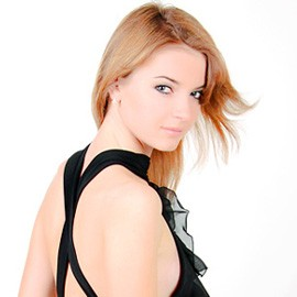 Single woman Galina, 24 yrs.old from Sumy, Ukraine