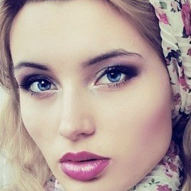 Hot mail order bride Julia, 21 yrs.old from St. Petersburg, Russia