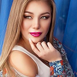 Single lady Roksolana, 24 yrs.old from Kiev, Ukraine