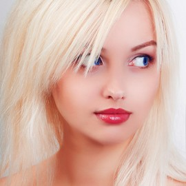 Gorgeous mail order bride Elena, 25 yrs.old from Yalta, Russia