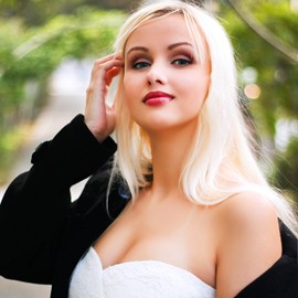 Amazing girlfriend Elena, 26 yrs.old from Yalta, Russia