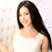 Charming bride Suzanna, 32 yrs.old from Kiev, Ukraine