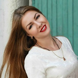 Charming wife Elena, 32 yrs.old from Simferopol, Ukraine