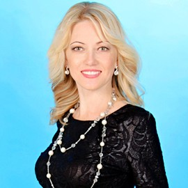 Gorgeous bride Yelena, 41 yrs.old from Sumy, Ukraine