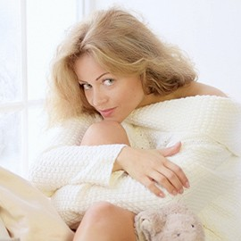 Single girlfriend Oksana, 39 yrs.old from Kiev, Ukraine