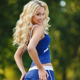 Pretty wife Anna, 25 yrs.old from Nikolaev, Ukraine