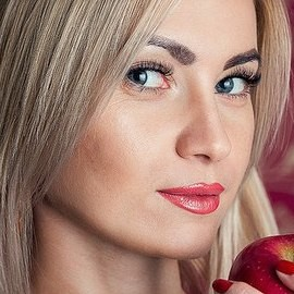 Nice bride Yunna, 31 yrs.old from Melitopol, Ukraine