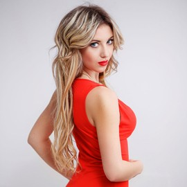 Charming mail order bride Elena, 21 yrs.old from Nikolaev, Ukraine
