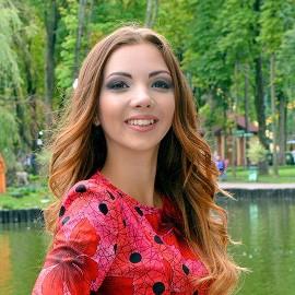 Single bride Olexandra, 20 yrs.old from Chernivtsi, Ukraine