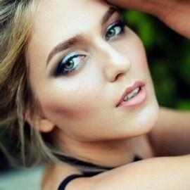Single lady Anastasia, 20 yrs.old from Dnepropetrovsk, Ukraine
