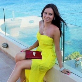Pretty wife Yulia, 28 yrs.old from Saint Petersburg, Russia