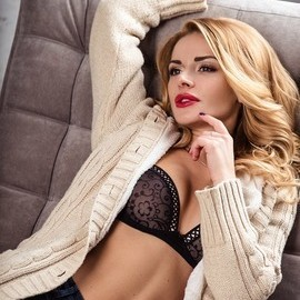 Gorgeous mail order bride Kristina, 27 yrs.old from St. Petersburg, Russia
