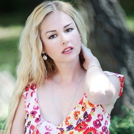 Beautiful bride Larisa, 50 yrs.old from Khmelnytskyi, Ukraine