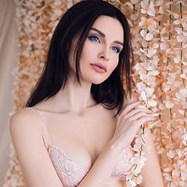 Pretty mail order bride Alina, 22 yrs.old from Donetsk, Ukraine