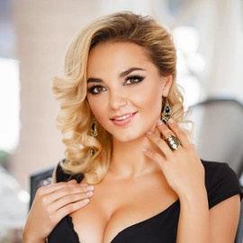 Pretty mail order bride Angelina, 34 yrs.old from Kiev, Ukraine