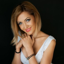 Pretty girlfriend Elena, 42 yrs.old from Odessa, Ukraine