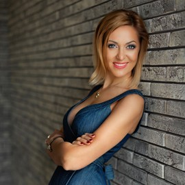 Gorgeous mail order bride Elena, 42 yrs.old from Odessa, Ukraine