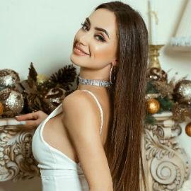 Single girl Victoria, 21 yrs.old from Mirnograd, Ukraine