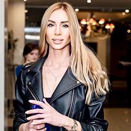 Sexy wife Victoriya, 35 yrs.old from Zaporozhye, Ukraine