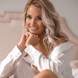 Beautiful miss Aliona, 29 yrs.old from St. Petersburg, Russia