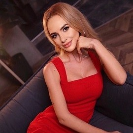 Charming mail order bride Olga, 34 yrs.old from Kyiv, Ukraine