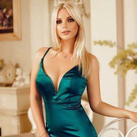 Hot bride Elizaveta, 28 yrs.old from Kiev, Ukraine