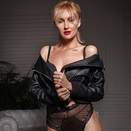 Gorgeous mail order bride Viktoria, 35 yrs.old from Kiev, Ukraine