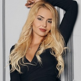 Single girlfriend Regina, 36 yrs.old from Mariupol, Ukraine