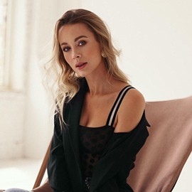 Beautiful girlfriend Anna, 34 yrs.old from Kiev, Ukraine