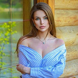 Nice bride Alina, 22 yrs.old from St. Petersburg, Russia