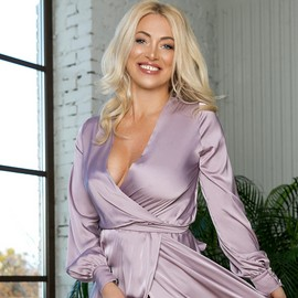 Pretty bride Viktoriya, 48 yrs.old from Lugansk, Ukraine