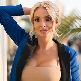 Pretty girlfriend Angela, 32 yrs.old from Sochi, Russia