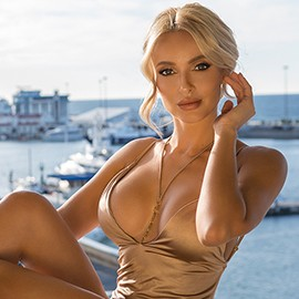 Gorgeous mail order bride Angela, 32 yrs.old from Sochi, Russia