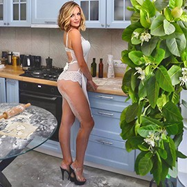 Charming mail order bride Elena, 32 yrs.old from Sevastopol, Russia
